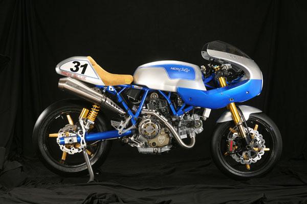 http://1.bp.blogspot.com/-fUx3Yr3I6o8/TnXKnmgZ98I/AAAAAAAAEJs/rhvRparaSho/s640/ducati_sport_classic-1100_new_blue_ncr_1.jpg