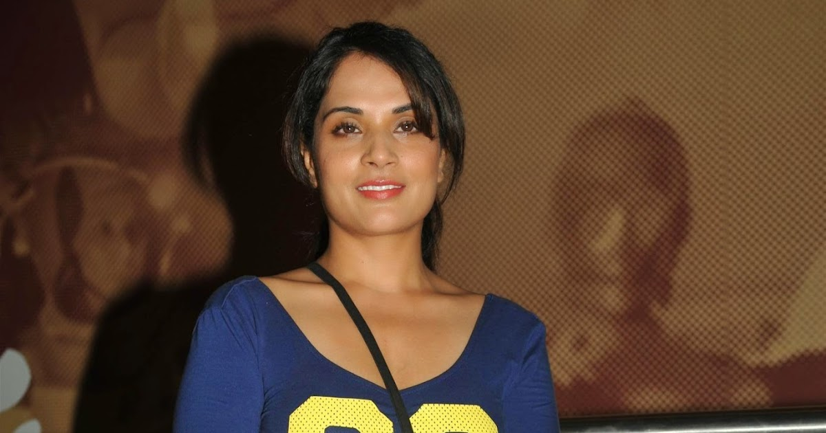 High Quality Bollywood Celebrity Pictures: Richa Chadda and Surveen ...