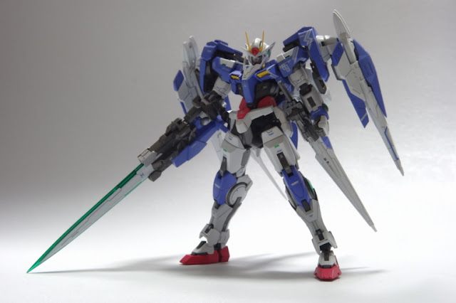 bandai real grade model kit 00 raiser