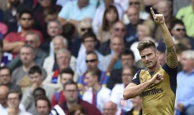 Giroud poto Arsenal