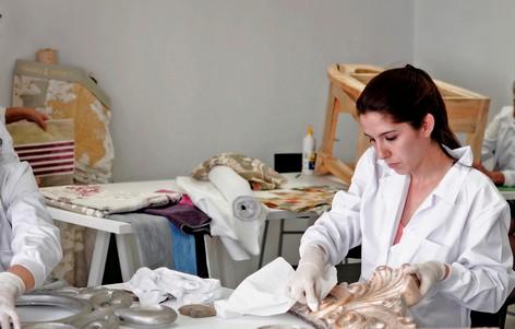 Taller restauracion Tintura Muebles con otra mano Madrid