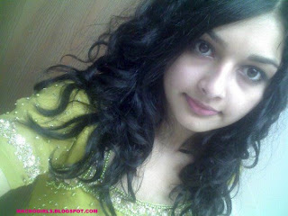 PAKISTANI ATTRACTIVE GIRLS