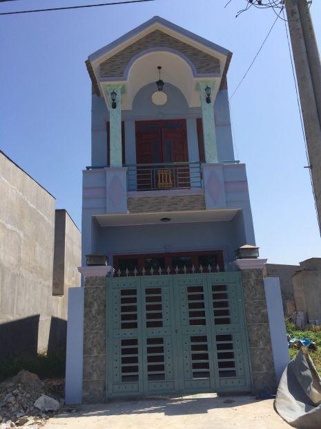 Bán nhà 1 lầu 1 trệt ngay trung tâm thị xã dĩ an sổ hồng riêng