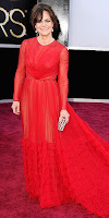 Сали Фийлд в червена рокля с дълги ръкави на Оскари 2013
