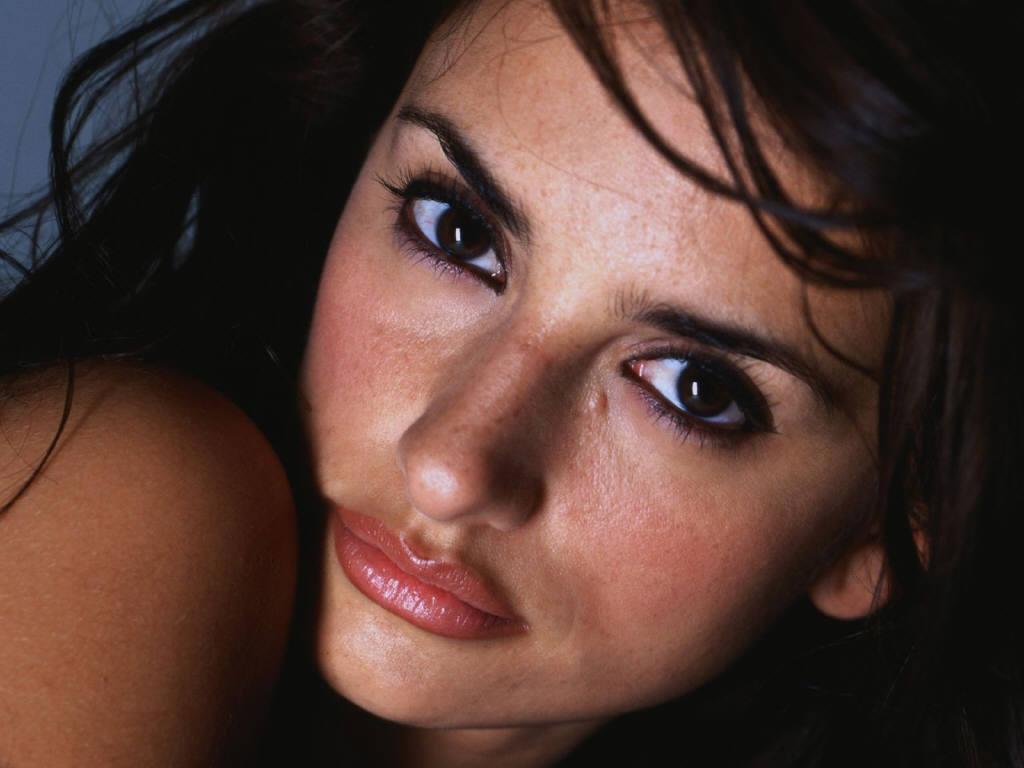 http://1.bp.blogspot.com/-fWI9K2G9Rkc/UBKwqcuOovI/AAAAAAAAClQ/ods4Q4MHJ6Y/s1600/Penelope-Cruz.jpg
