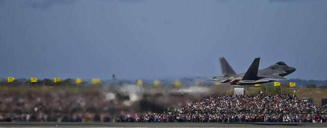 f-22 raptor afterburner takeoff