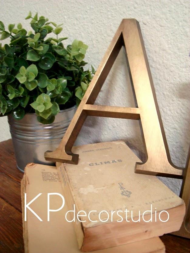 Comprar letras vintage online para decoración. Venta de letras antiguas colección de segunda mano, anuncios de letras vintage