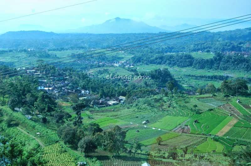 telaga sarangan magetan, telaga sarangan, magetan, pemandangan alam, jawa timur, indonesia