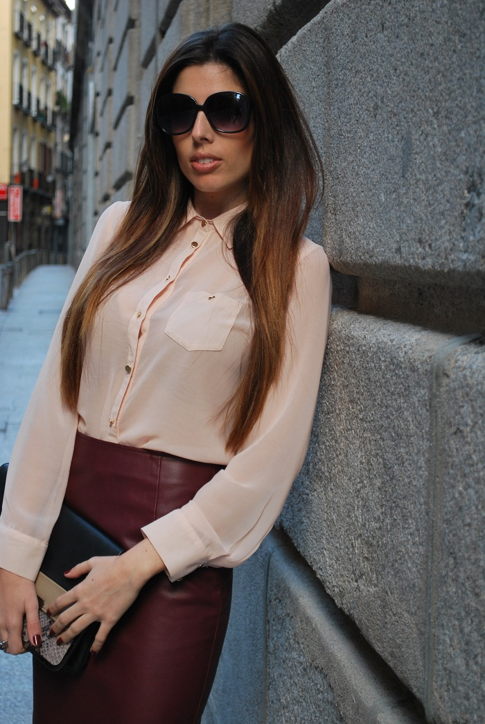 Burgundy Leather Skirt - Falda de Cuero Burgundy