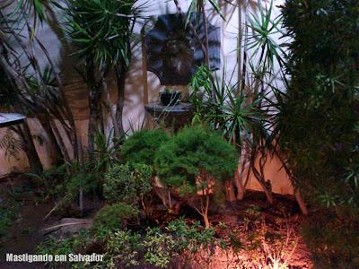 Di Liana Ristorante Italiano: Jardim com fonte d'água