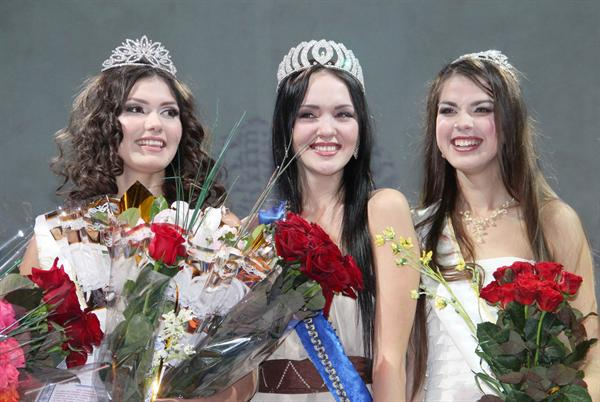 Miss Earth Queen of Crimea 2012 Valeria Voronova