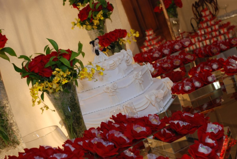 Tudo Perfeito: decoração de casamento em vermelho e branco