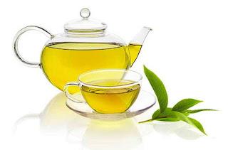 Thưởng thức hương vị thơm ngon của chén trà trong sương sớm