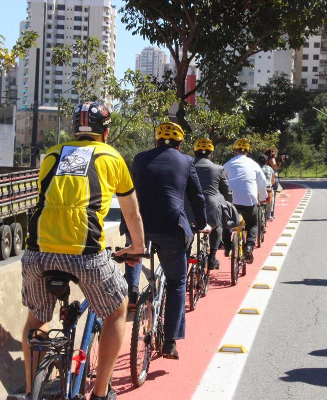 Secretário Jilmar Tatto e Prefeito Fernando Haddad inauguram a ciclovia com cicloativistas