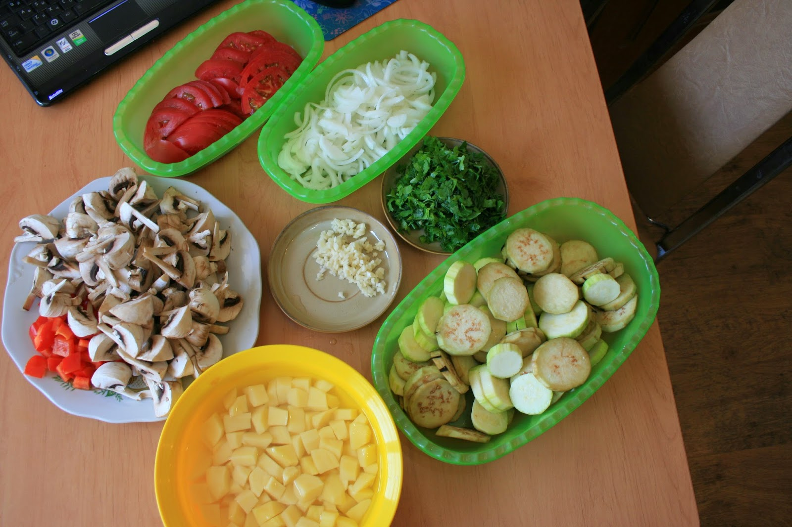 Шампиньоны с овощами в мультиварке рецепт пошагово