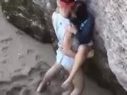 Vídeo Porno - Flagra Sexo na Praia Voyeur