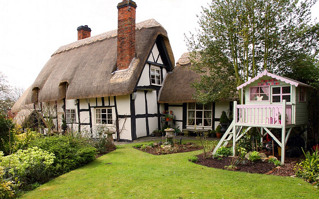 New home interior design thatched cottage for Cottage anglais