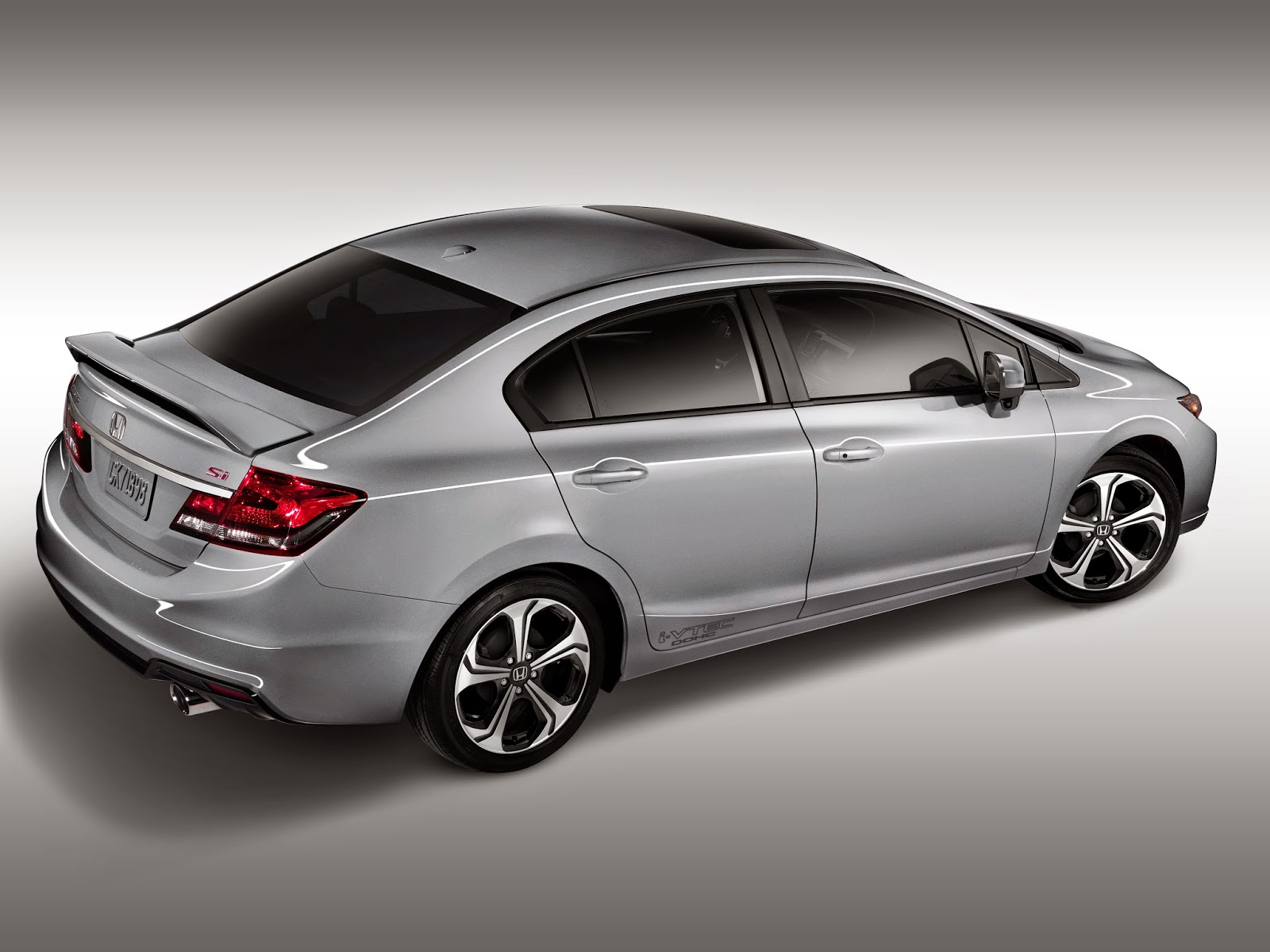 Rear 3/4 view of the 20145 Honda Civic Si sedan
