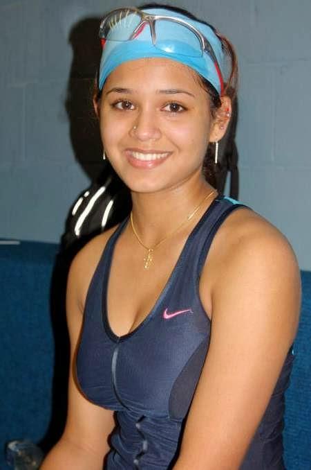 dipika pallikal sexy indial athlete 02