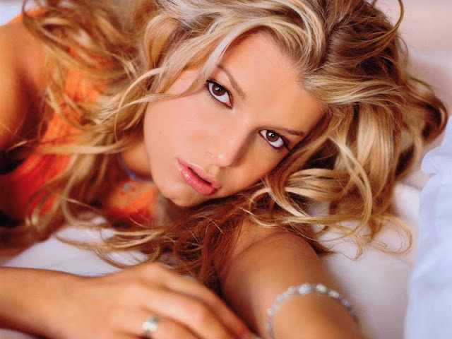 Jessica Simpson Biography and Photos