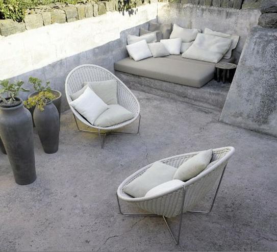 2bmodern cement backyard