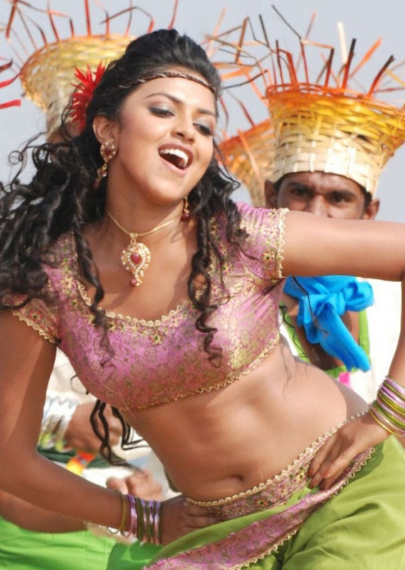 Amala Paul In Vettai Tamil Movie Hot Photos Latest Stills hot images