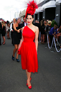 Dita_von_Teese_The_Follow_Me_Dress