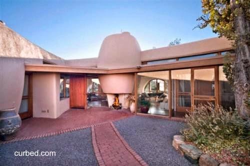 Casa de adobe de arquitectura moderna original