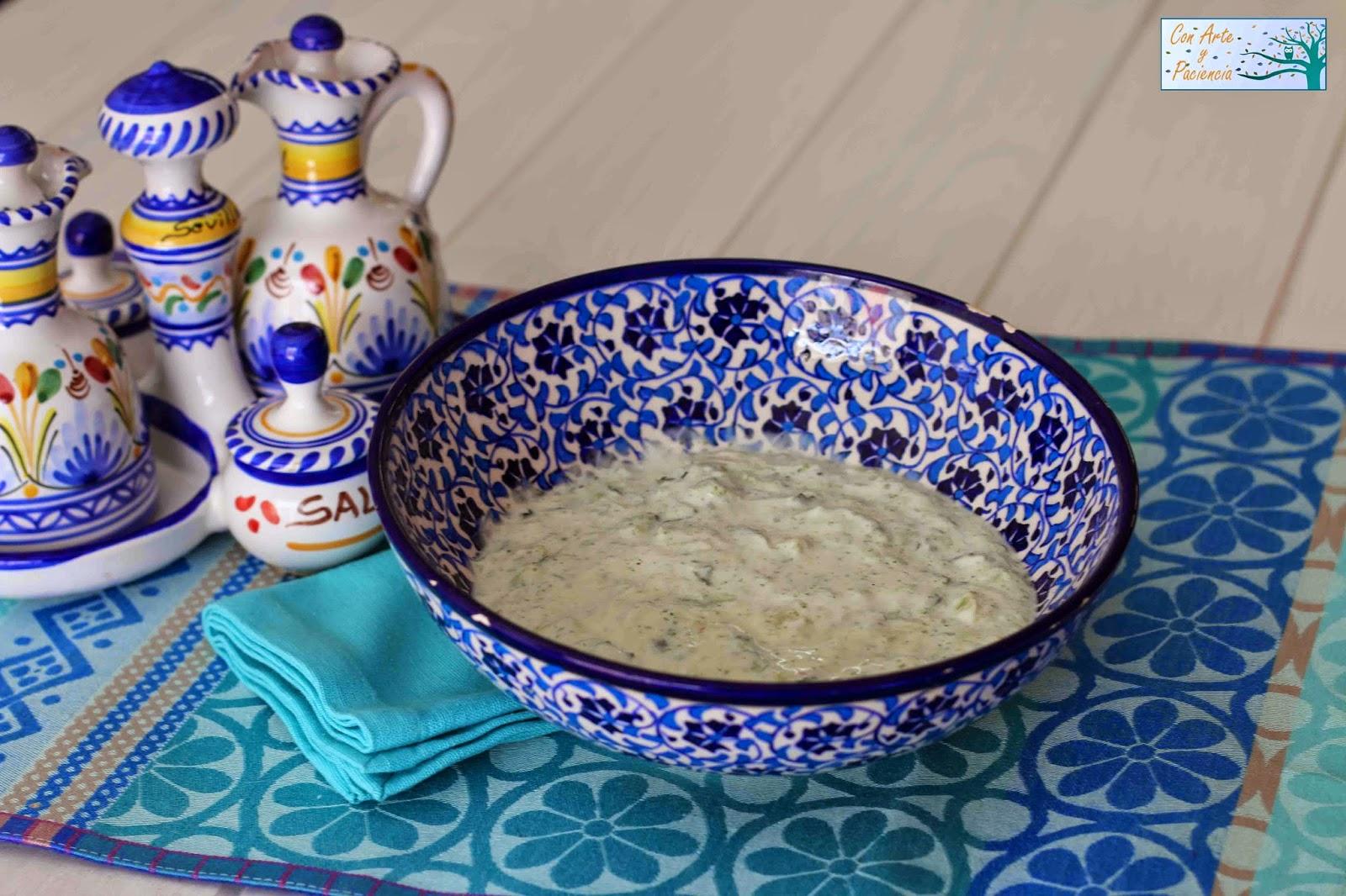 salsa,griega,tzatzíki,ajo,pepino,sal,pimienta,fría,típica,mediterránea,sana,greek,sauce,yogur,