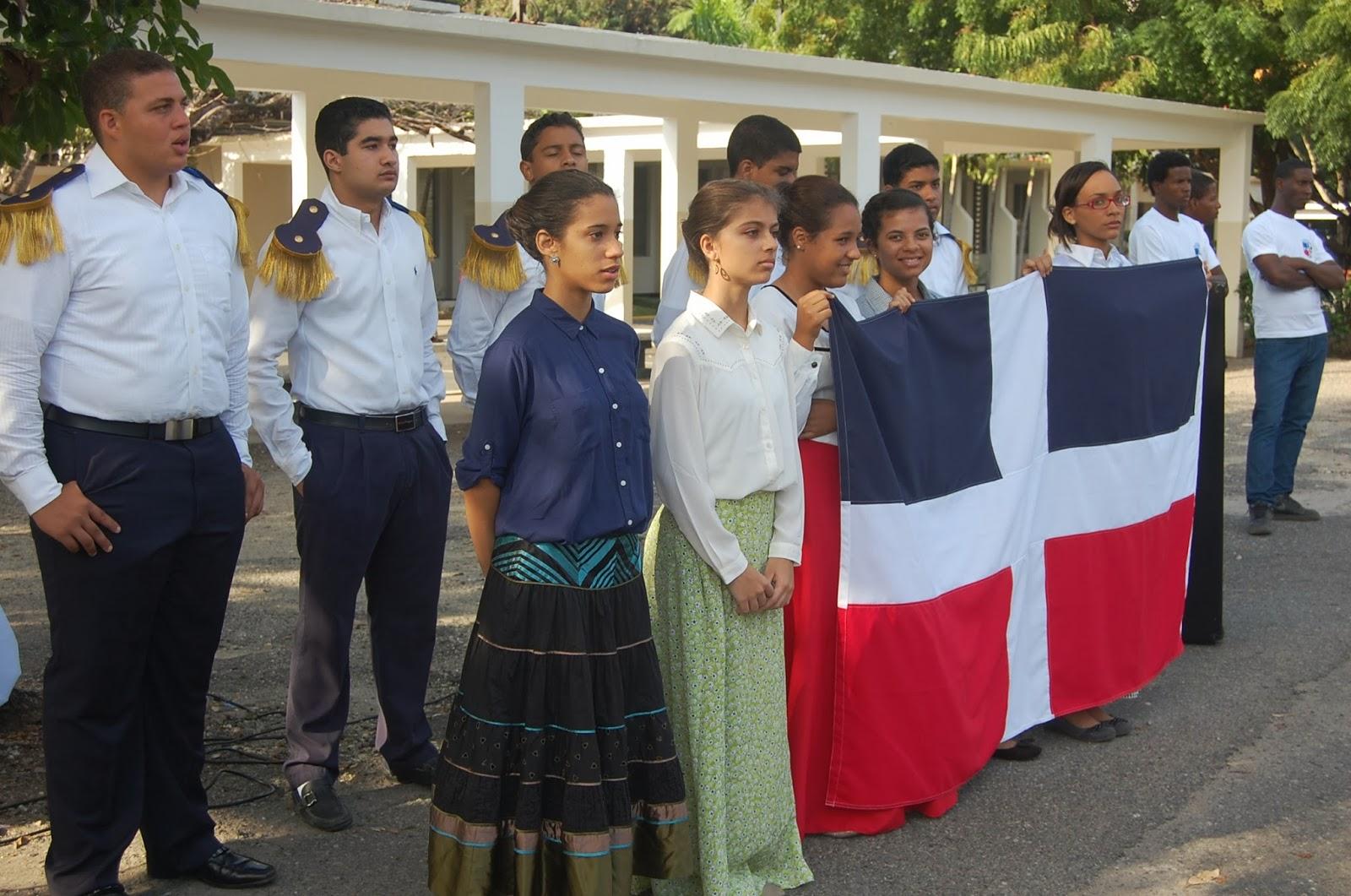 Colegio Santo Domingo celebra los 170 años de la Independencia Nacional