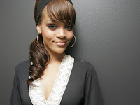 Rihanna Cute Photo Shoot