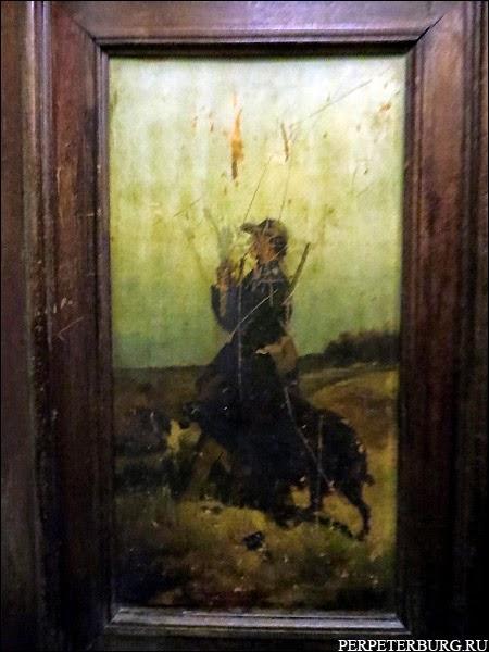 Шкаф в квартире Бильдерлингов - старинный