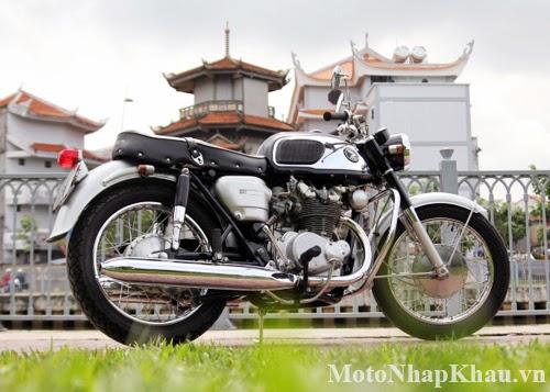 Mẫu xế cổ Honda CB450 1965 được những người thợ Sài Gòn phục chế.