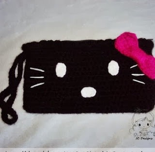 http://damnitjanetletscrochet.blogspot.ca/2012/05/hello-kitty-zippered-wristlet.html