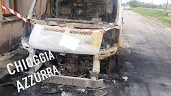 CA' BIANCA: PAURA NELLA NOTTE PER UN FURGONE INCENDIATO