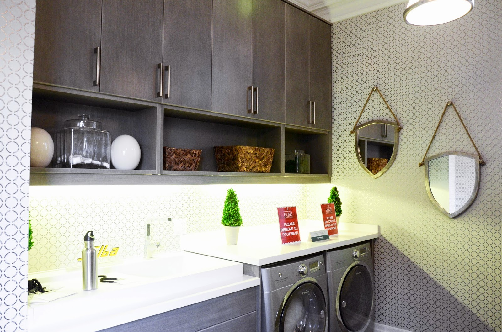 PMLOTTO KLEINBURG SHOWROOM: Luxurious Laundry room ideas