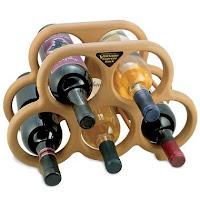 Stojan na víno, magneticky akcelerující zrání