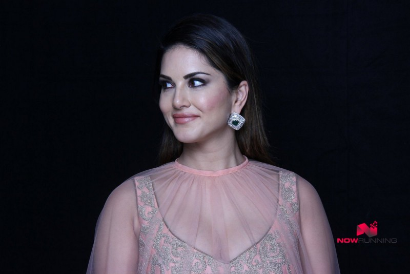 Indian-Bollywood Model-Actress Sunny Leone Wear Fashion Designer ...