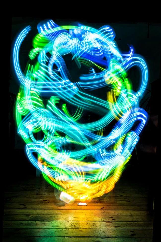 Luis Hernan đã chụp hình ảnh sóng Wifi bằng cách nào? và các hình ảnh đẹp ( Có link tải luôn nha) Hinh+anh+thuc+song+wifi+10