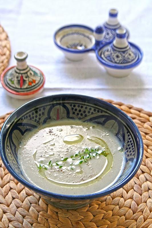 Σούπα με αγκινάρες της Ιερουσαλήμ και λάδι τρούφας