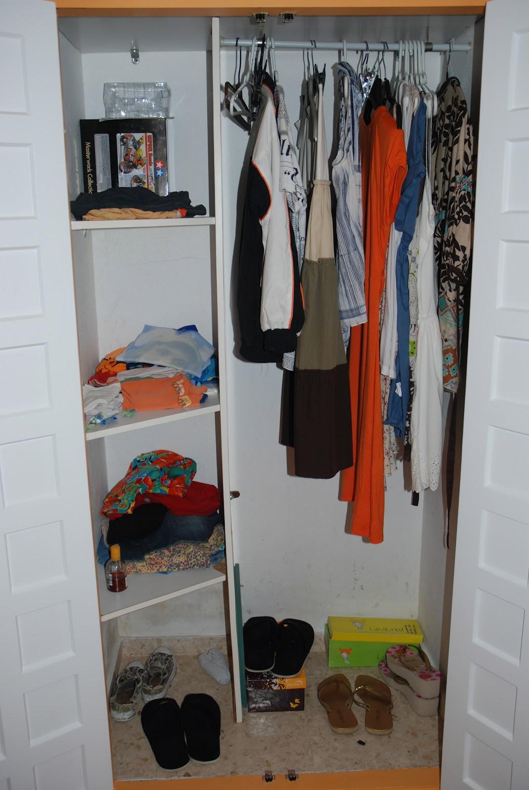 Caballito de cart n forrar armario empotrado montaje - Como forrar un armario por fuera ...
