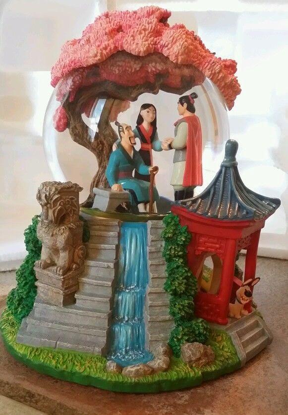 Disney Mulan snow globe