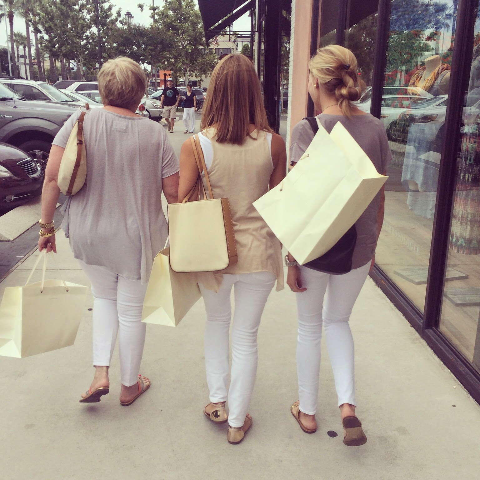 Shopping, Anthropologie, White Jeans, Sisters, Aunt, Cousin, Highland Village, Houston, TX