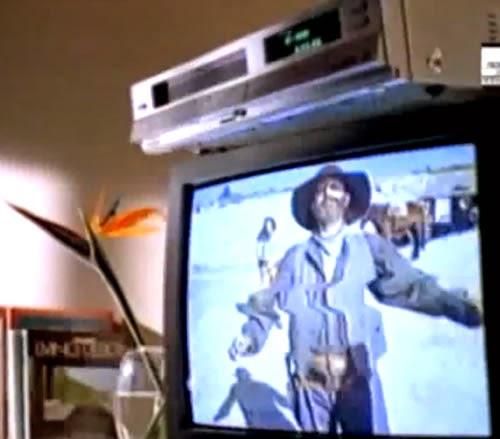Propaganda do começo dos anos 90. A Philco buscava fortalecer a venda da sua linha de videocassetes com um divertido comercial.