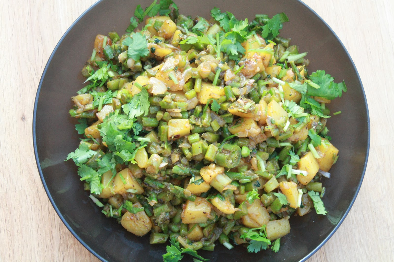 Yum! Yum! Yum!: Potato and Asparagus Stir-Fry