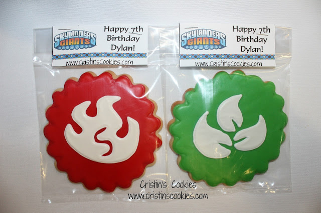 http://www.cristinscookies.com/2013/01/skylander-cookies.html