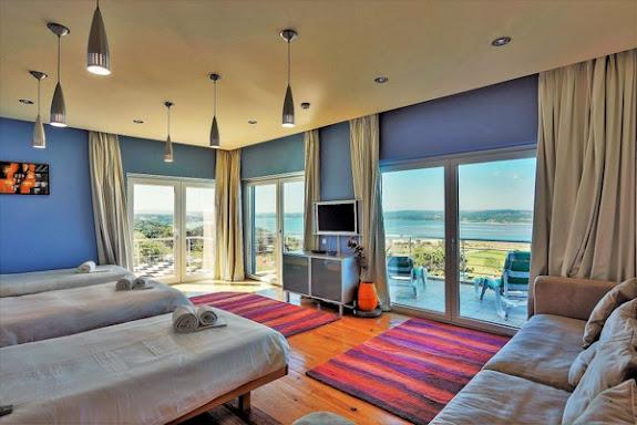 Bedroom, 3 beds
