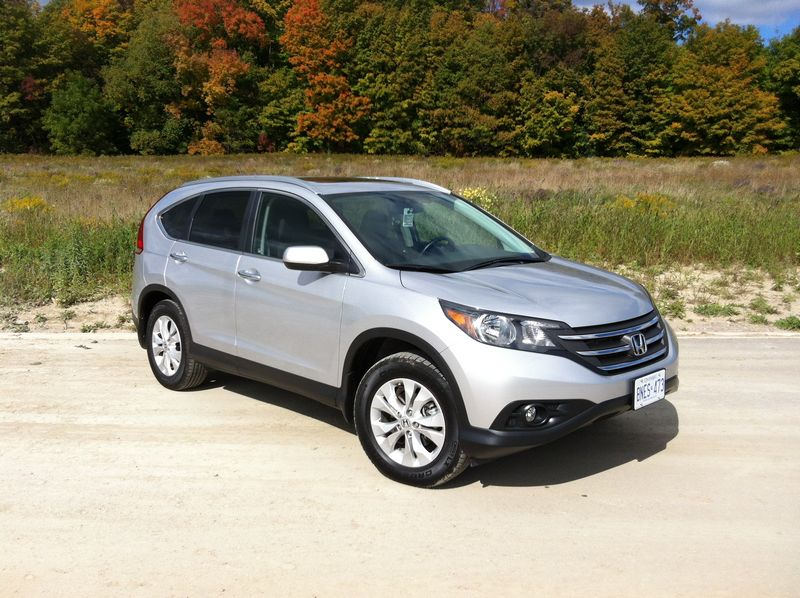 2013 toyota rav4 vs ford escape honda cr v hyundai santa for Hyundai santa fe vs honda crv