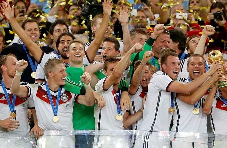 fde8c91cf0 A 20ª edição da Copa do Mundo chegou ao seu fim na tarde deste domingo(13 7)