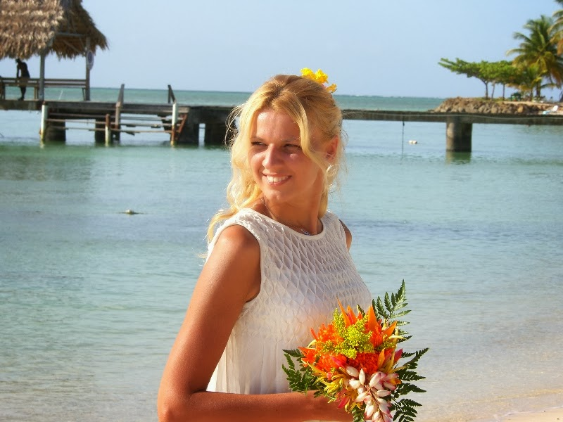 tropical wedding lovers